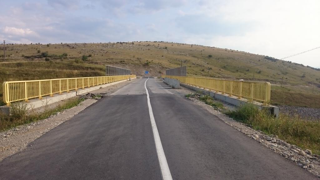 Pasaj peste A3 existent (DJ 103G, zona carierei Sandulesti)